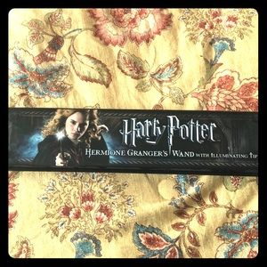 Hermoine Granger's Wand with illuminating tip